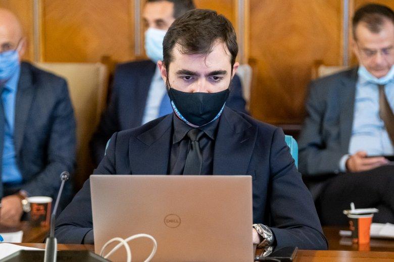 """Véget vetne a kormány a Năstase idején kinevezett különleges privatizációs ügyintézők """"pénzelszívásának"""""""