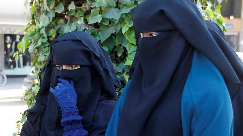 A tálibok azt tanácsolják az afganisztáni nőknek, hogy a saját biztonságuk érdekében maradjanak otthon