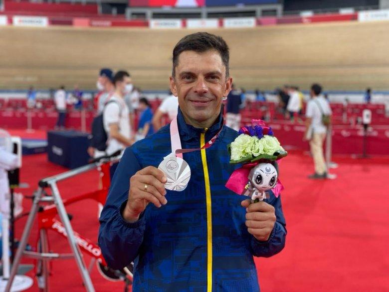 Novák Eduárd sportminiszter ezüstérmet szerzett a tokiói paralimpián