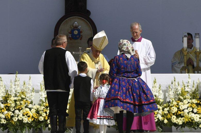 Ferenc pápa: veletek és értetek mondom, Isten, áldd meg a magyart!