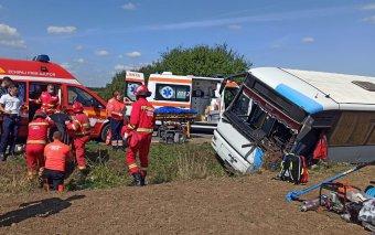 Bihar megyei buszbaleset: elvesztette uralmát a sofőr a jármű felett