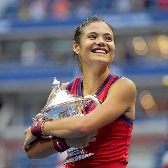 A félig román származású Emma Răducanu nyerte a meglepetésemberek döntőjét a US Openen