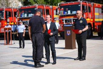 Előléptették a görögországi tüzek megfékezésében segédkező román tűzoltókat