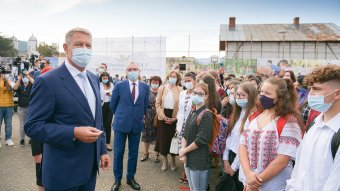 Iohannis: mindannyiunkon múlik, hogy meddig maradhatnak nyitva az iskolák