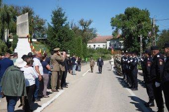 Magyar prefektus vezetésével emlékeztek meg Ördögkúton a magyar honvédség által elkövetett vérengzés áldozatairól
