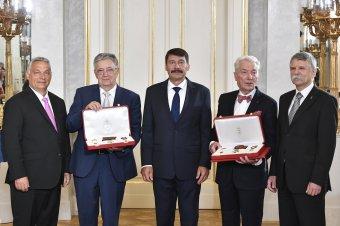 Szent István Rend kitüntetésben részesült Lovász László matematikus és Vizi E. Szilveszter orvos