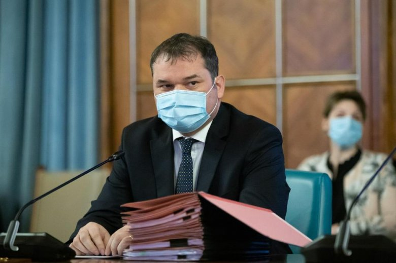 Cseke: Romániában mindenki meg fogja szerezni a védettséget, de kevésbé kockázatos beadatni az oltást