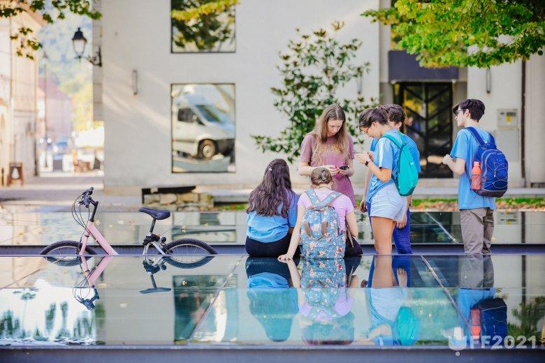 Kapcsolatokat újrateremtő diáknapok Nagybányán: interaktív feladatokkal várja a fiatalokat a vasárnapig tartó Főtér Fesztivál