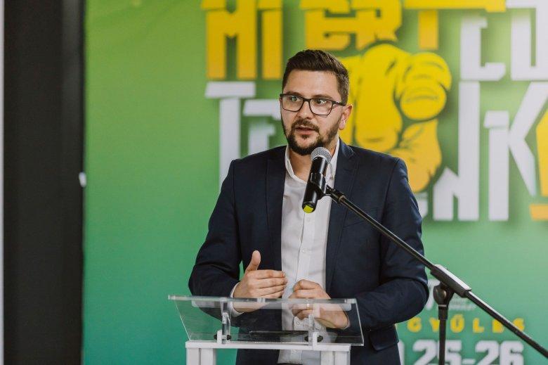 Újraválasztották a Miért élére a korábban ittas vezetés miatt bajba került Olteán Csongort