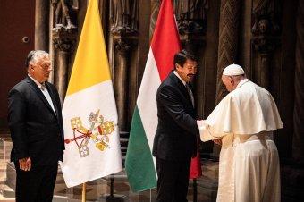 A teremtett világ és a családok védelméről is beszélgetett Áder János Ferenc pápával