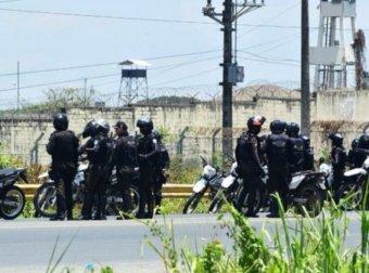 Több mint száz halálos áldozatot követelt egy ecuadori börtönben kirobbant bandaháború