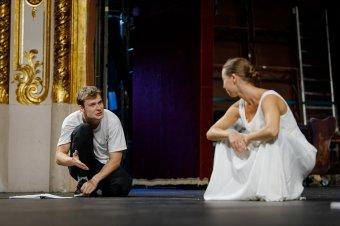 """Csongor és Tünde: """"odakozmált finom falat"""" a nagyváradi színpadon"""