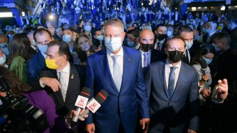 Iohannis felszólalása idején közbekiabáltak, Cîțut lehurrogták és kifütyülték a PNL-kongresszuson