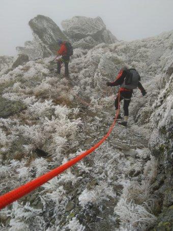 Felkészületlenül a hegyekben: amerikai turistát kellett kimenekíteni a Fogarasi-havasokban