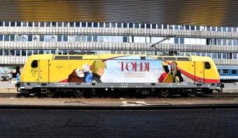 Erdélyben is közlekedik a Toldi animációs filmet népszerűsítő mozdony