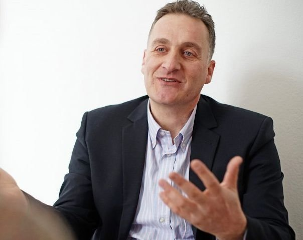 Van visszaút Nyugat-Európából Erdélybe: Szathmáry Zsolt, a St. Georgius Manager Club elnöke az egyre égetőbb munkaerőhiányról