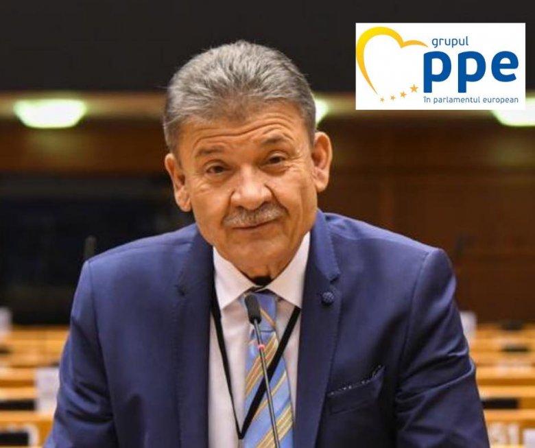PNL-es EP-képviselő: hiba volt az Untold és az ötezer fős pártkongresszus megrendezése