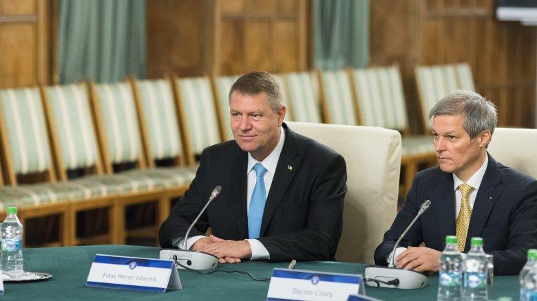 Dacian Cioloșt bízta meg kormányalakítással Klaus Iohannis