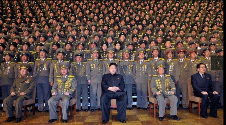 Észak-Korea folytatja a fegyverkísérletek sorozatát: Kim Dzsongun ballisztikus rakétát indított a Japán-tenger felé