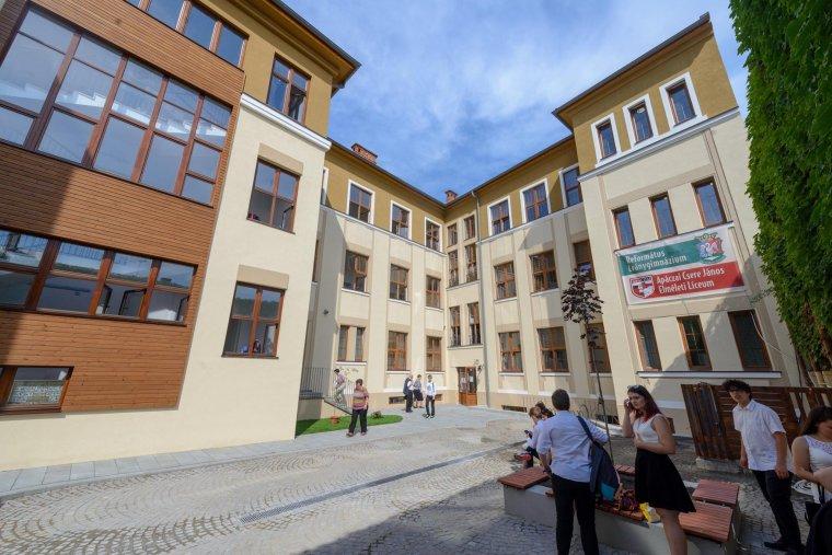 Premier: magyar diákoknak ítéltek kártérítést nyelvi diszkrimináció miatt