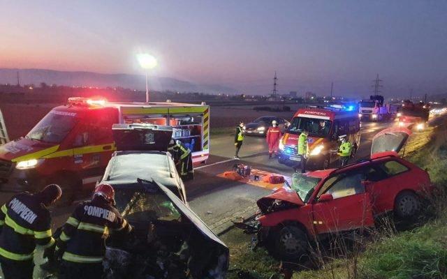 Súlyos közúti baleset történt Fehér megyében, egy személy életét vesztette