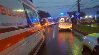 Kisbusz és személygépkocsi ütközött Arad észak-nyugati szélén