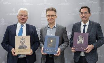 Mátyás király, Szent László, Rákóczi: határon túli iskolákba is eljuttatják az emlékkönyveket