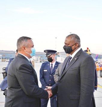 Amerikai védelmi miniszter Bukarestben: a Fekete-tenger térségének stabilitása az USA nemzeti érdeke is