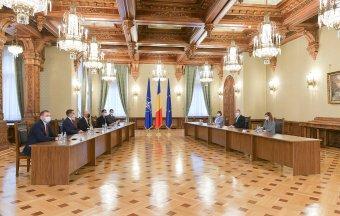 Elvállalná az RMDSZ egy átmeneti kormány irányítását jövő év áprilisáig
