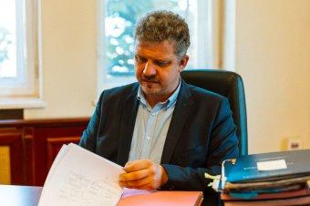 Soós Zoltán marosvásárhelyi polgármester replikája a Krónika cikkére