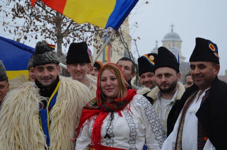 Botrányos viselkedésével megsértette a parlament etikai kódexét Diana Șoșoacă szenátor a felsőház jogi bizottsága szerint