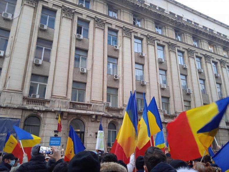 Kórháztűz: újfent Arafat és Voiculescu lemondását követelik a tüntetők Bukarestben
