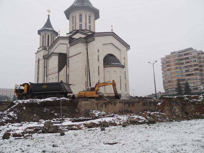 Felszínre kerülhet Várad középkori városmagja – Ígéretes leletekre bukkantak az ortodox katedrális tövében