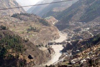 Több mint százan életüket veszthették gleccserszakadás következtében Indiában