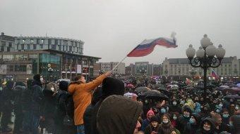 Börtönbe dugnák az oroszországi tüntetések fő szervezőjét, külföldön is körözik