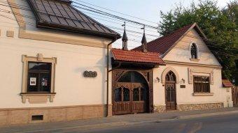 Igyekeznek összefogni a bányavidéki magyarságot – Dávid Lajos a Teleki Magyar Ház előtt álló kihívásokról