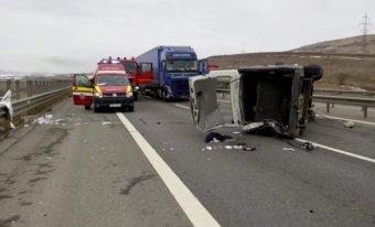 A sofőr facebookos élő közvetítése miatt történt súlyos baleset az észak-erdélyi autópályán