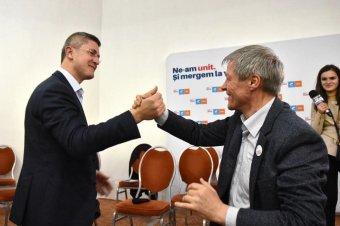Dan Barna pártelnököt indítja államfőjelöltnek az ellenzéki USR, Cioloş lehet a kormányfőjelölt