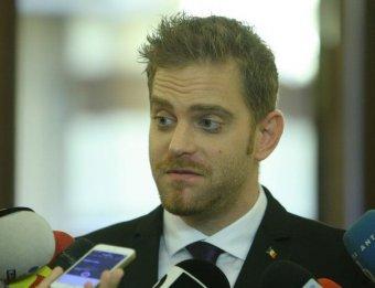 Gyanúsítottként hallgatták ki Laufert – sikkasztásban való bűnrészesség miatt idézték be a volt minisztert