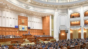 FRISSÍTVE: Jóváhagyta a parlament Klaus Johannis népszavazás kiírására vonatkozó kérelmét