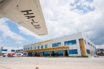 Landolás közben kigyulladt egy repülőgép futóműve Kolozsváron