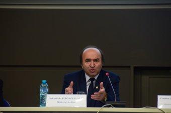Tudorel Toader cáfolja, hogy az általa vezetett igazságügyi tárca kezdeményezte volna a vitatott törvénymódosításokat