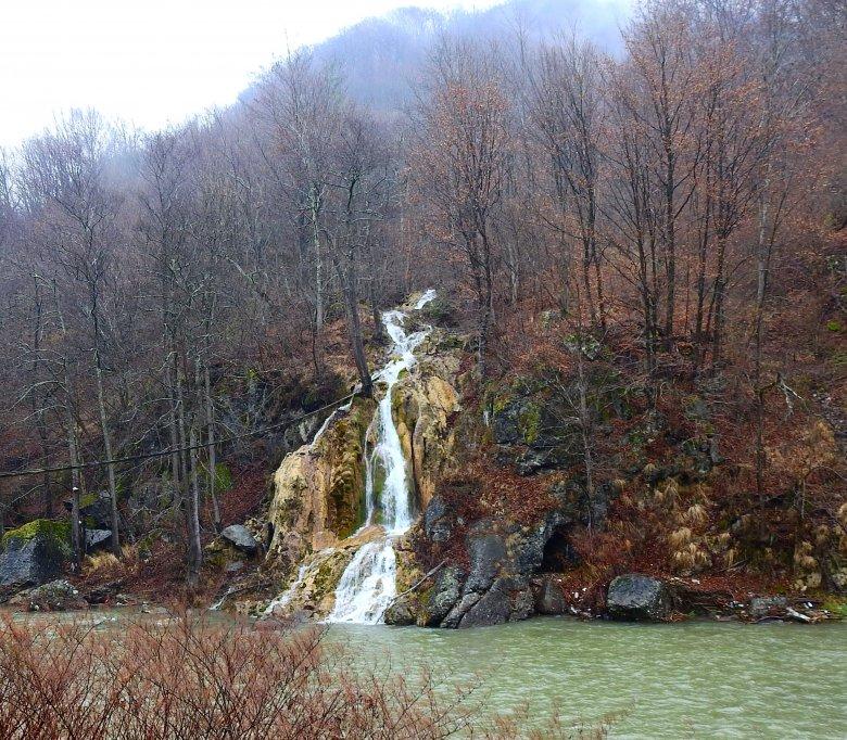 Aranyos-völgyi barangolások – éledezik a szállásadás és az éttermi gasztronómia