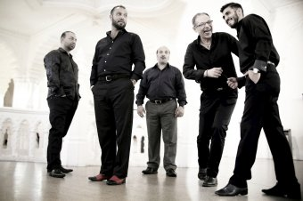 Modern felhangokkal ötvözött oláh cigány zenét hoz Kolozsvárra a Romano Drom