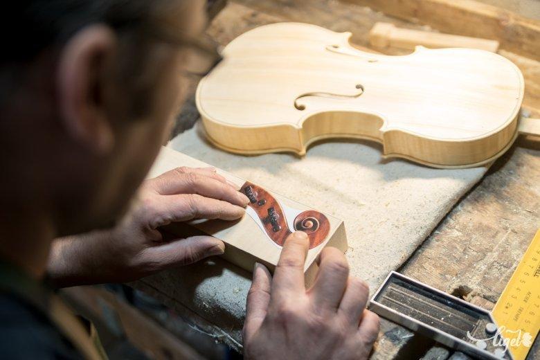 Elindulhat a hangszerkészítő képzés