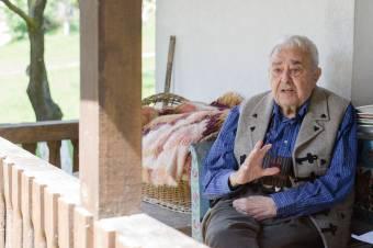 Egyedi műsorral köszöntik a 91 éves Kallós Zoltánt