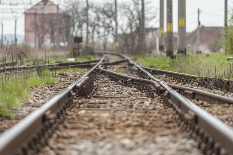 Gyilkosság áldozata volt a férfi, akit kettévágott a vonat