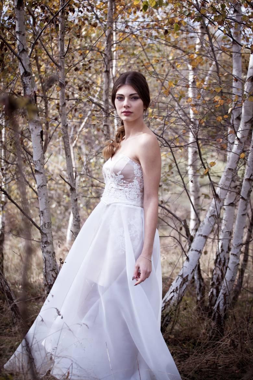 7fb5dc7052 A menyasszonyi ruha ma már nem kötelezően fehér