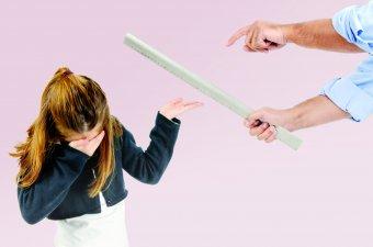 """""""Eszköztelen"""" pedagógusok: mit tanul a verésből a diák?"""
