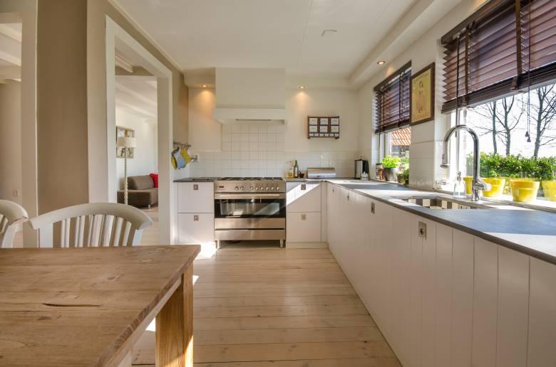 Vége a merevségnek: szobahangulatot a konyhába is